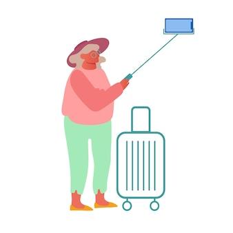 늙은 여자는 흰색 전자 배경에 고립 된 스마트 폰에 selfie를 만들기.