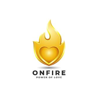 화재-불타는 심장 개념의 심장 로고