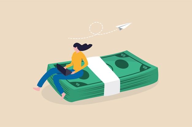 Интернет-бизнес, зарабатывающий деньги, молодая женщина, работающая с ноутбуком, сидящим на долларовых банкнотах.