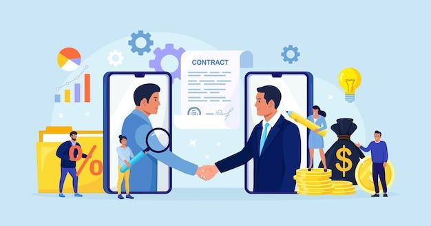 Онлайн заключение сделки. рукопожатие бизнесменов после успешных переговоров или подписания контракта. онлайн-договор с использованием мобильного телефона для открытия нового стартапа