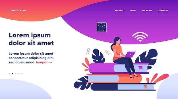 온라인 과정 및 학생 개념. 책의 스택에 앉아 인터넷에서 공부하기 위해 노트북을 사용하는 여자. 원격 학습, 지식, 학교 주제에 대한 평면 벡터 일러스트 레이션