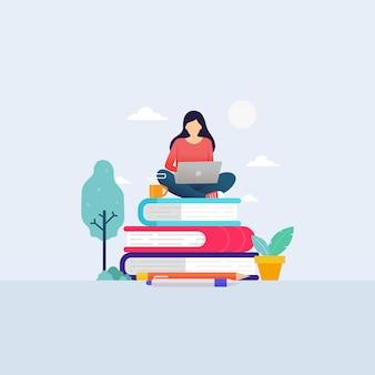 Студент онлайн-школьного образования учится с ноутбуком для