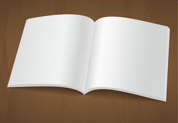 木製の背景に空白のパンフレットや雑誌を開きます。