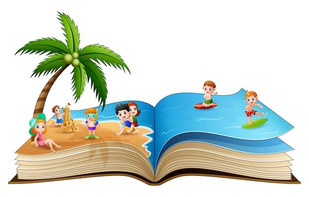トロピカルビーチで遊ぶ子供たちのグループとの本 Premiumベクター