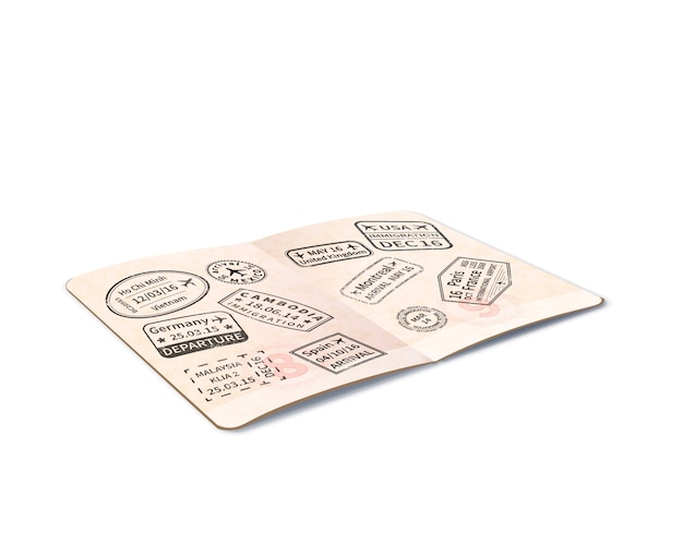 Откройте загранпаспорт с множеством черных иммиграционных марок, проездной документ в перспективе на белом