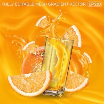 Апельсины и стакан брызг сока на фоне фруктового сока.
