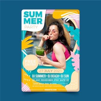 Органический плоский шаблон летней вечеринки вертикальный плакат с фотографией