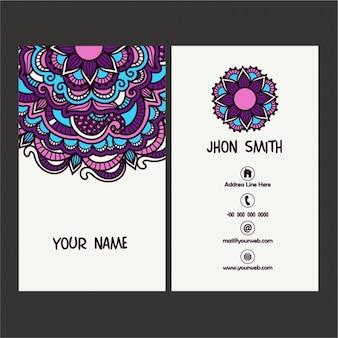 紫色の詳細と装飾用の名刺