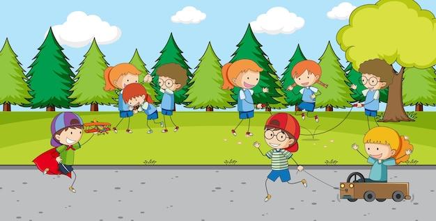 多くの子供たちとの屋外公園のシーン
