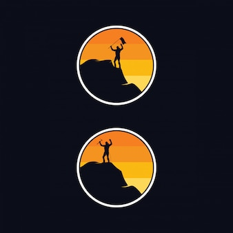 屋外ロッククライミングのロゴのデザインテンプレート
