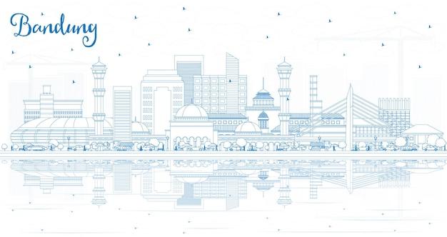 Наброски на фоне линии горизонта города бандунг, индонезия, с голубыми зданиями и отражениями. векторные иллюстрации. деловые поездки и концепция туризма с исторической архитектурой. городской пейзаж бандунга с достопримечательностями.
