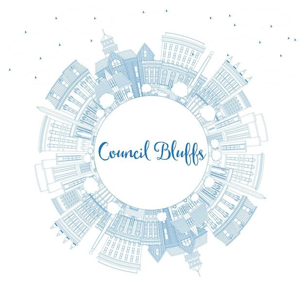 파란색 건물 및 복사 공간이 있는 카운슬 블러프 아이오와 스카이라인 개요. 벡터 일러스트 레이 션. 역사적인 건축과 비즈니스 여행 및 관광 그림입니다.
