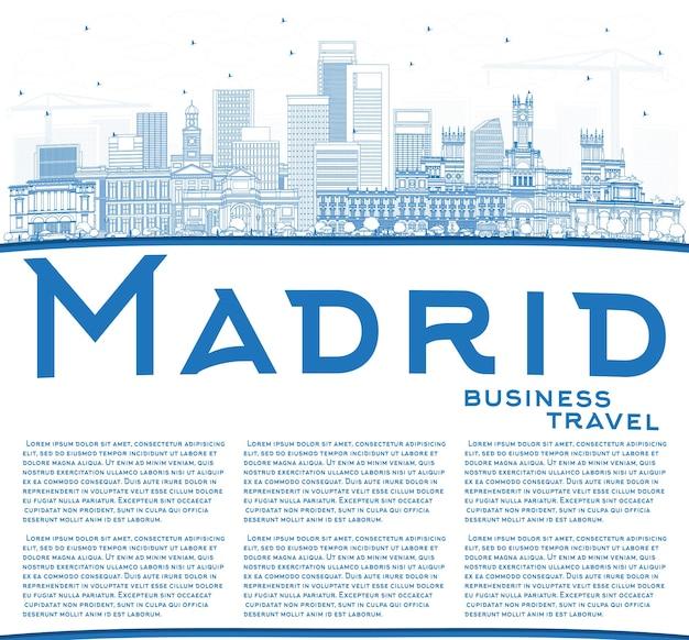 파란색 건물 및 복사 공간이 있는 마드리드 스페인 도시 스카이라인 개요. 벡터 일러스트 레이 션. 역사적인 건축과 비즈니스 여행 및 관광 개념입니다. 랜드마크가 있는 마드리드 도시 풍경.