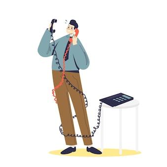 Перегруженный работой бизнесмен, имеющий два телефонных разговора. концепция офисного рабства. бизнес-менеджер запутался в телефонных проводах.