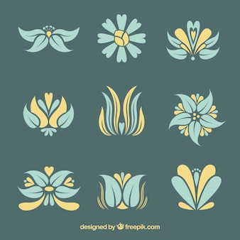 Pack of elegant art nouveau flowers