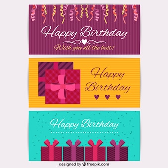 プレゼントや紙吹雪と誕生日カードのパック
