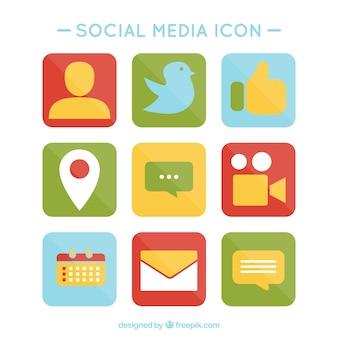 着色されたソーシャルメディアのアイコンのパック