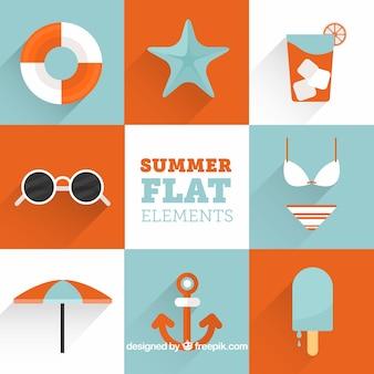 フラットデザインのオレンジ色の詳細を伴う夏のオブジェクトのパック