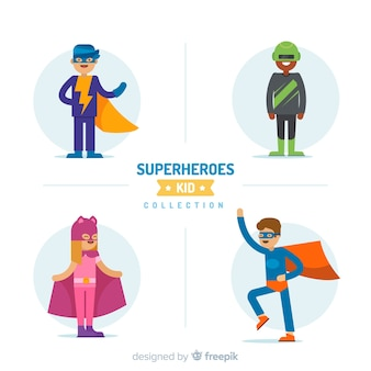 様々なスーパーヒーローの子供のパック