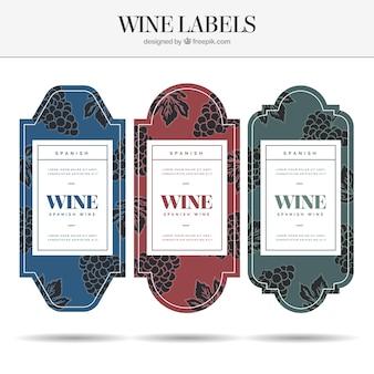 Confezione di etichette di vino con colori diversi