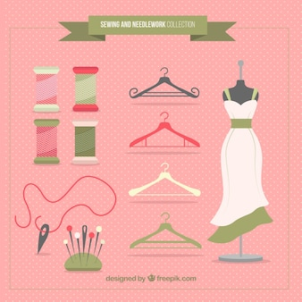 Pack with sewing accessories and mannequin