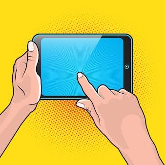 손과 터치 태블릿 휴대용 pc의 쌍