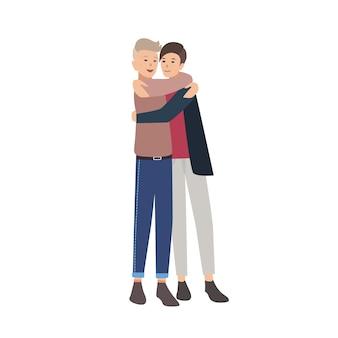 Пара молодых людей стояли вместе и обнимались. близкие друзья обнимаются и улыбаются. друзья или друзья. плоские мужские герои мультфильмов, изолированные на белом фоне. красочные векторные иллюстрации.