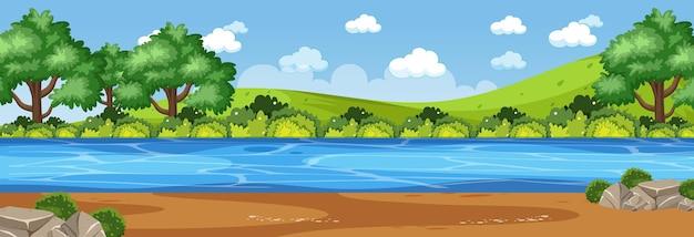 공원을 통해 강이 있는 파노라마 풍경 장면