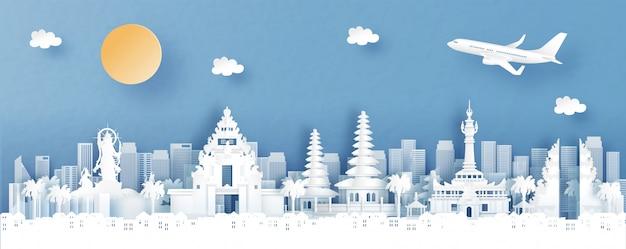 バリ島デンパサールのパノラマビュー。紙で世界の有名なランドマークと寺院と街のスカイラインとインドネシアカットスタイルのイラスト