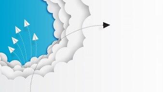 雲と青い空を飛んでいる紙飛行機チームワーク
