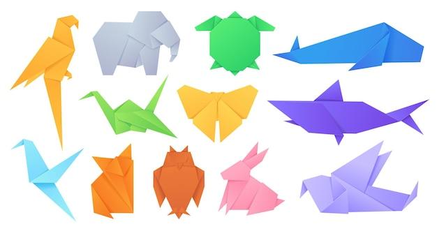 종이 동물. 일본 종이접기 접힌 장난감 새, 여우, 나비, 앵무새, 토끼. 만화 기하학적 야생 동물 모양의 그림 벡터 세트. 그림 종이 접기 새 동물, 접힌 종이 장난감