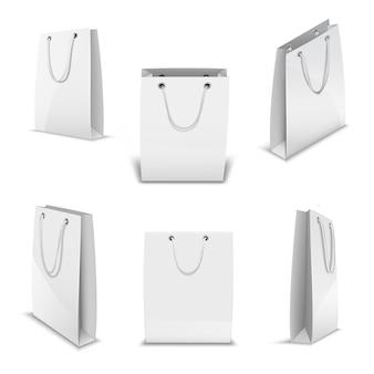 Набор бумажных пакетов для покупок реалистичные 3d-шаблоны.
