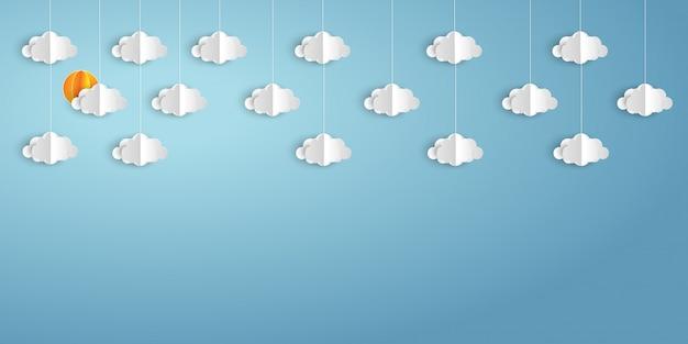 Бумажные облака и погода на фоне голубого неба