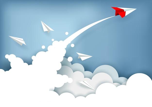 구름 위를 비행하는 동안 종이 비행기가 하늘까지 충전되었습니다. 사업 금융 성공. 일러스트 벡터