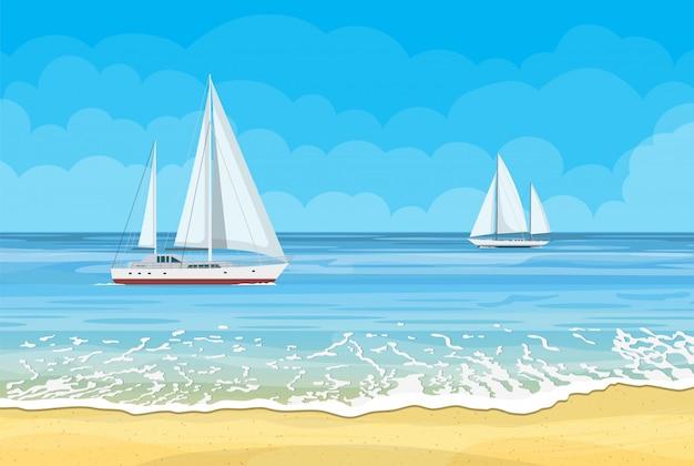 Райский пляж на море с яхтами
