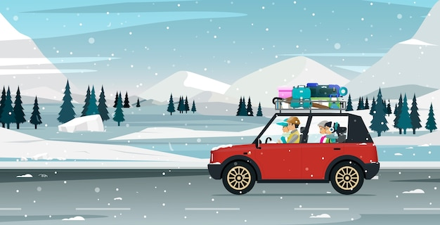 부모는 눈이 내리는 계절에 자녀를 데리고 여행합니다.