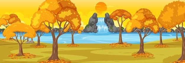 日没時の秋の季節の水平シーンの公園