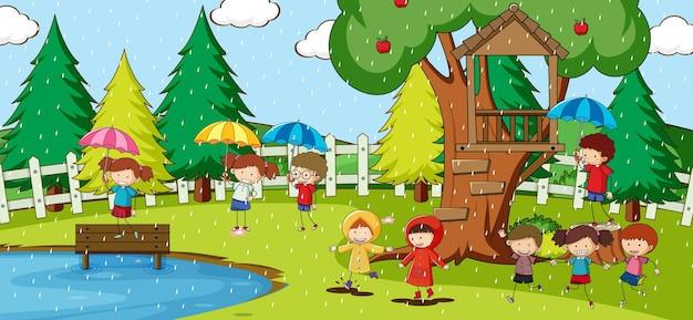 多くの子供たちが漫画のキャラクターを落書きする公園のシーン