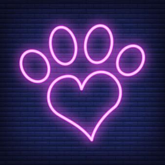 심장 네온 아이콘으로 발. 의료 의학 및 애완 동물 관리에 대한 개념입니다. 개요 및 검은 가축. 애완 동물 기호, 아이콘 및 배지. 어두운 벽돌 쌓기에 간단한 벡터 일러스트 레이 션.