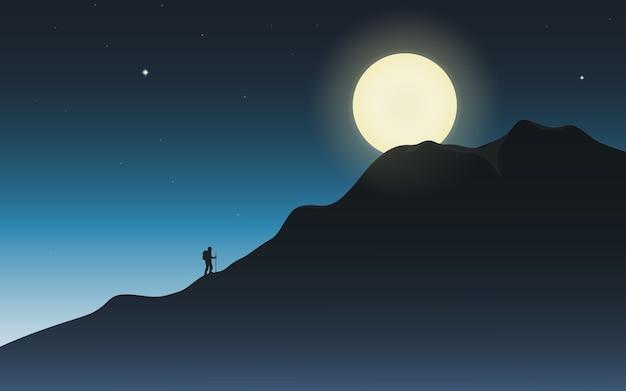 달빛에 산의 정상