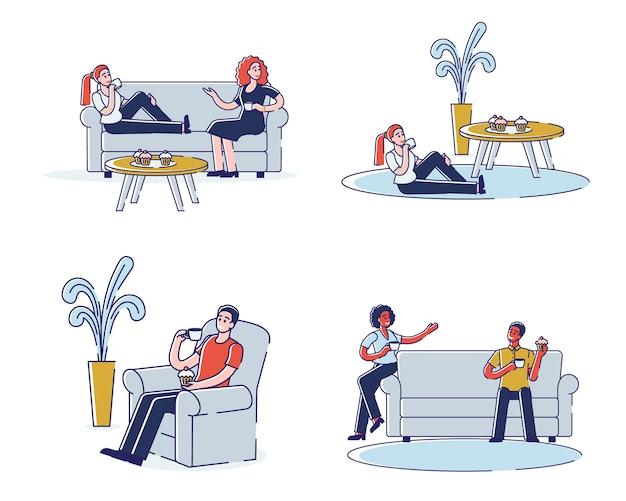 人々は家庭環境でコミュニケーションを取り、時間を費やしています。ティーンは話し、温かい飲み物でリラックスし、カップケーキを食べています。漫画のアウトライン線形フラットのセット。