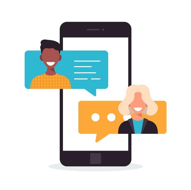 Люди болтают на мобильном телефоне. концепция мультикультурного общения. уведомление о чате на телефоне, пузыри сообщений на экране с аватарами. плоский рисунок шаржа.