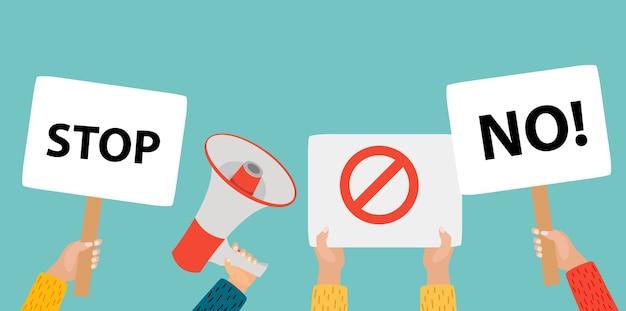 빈 현수막, 시위 배너, 빈 투표 표지판을 들고 사람들 손.