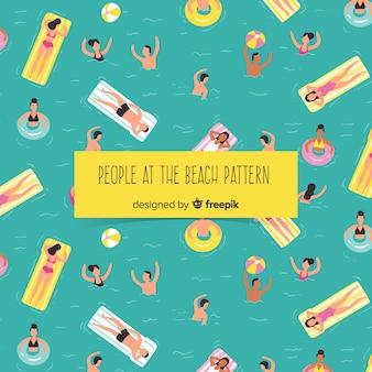 Persone che si rilassano in spiaggia