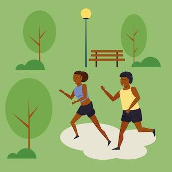 Люди бегут по парку декораций мультфильма