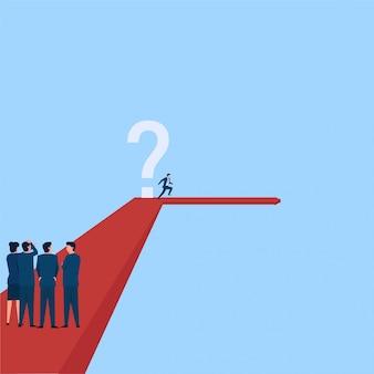 Люди видят, как менеджер поворачивает направо в другом направлении, избегая метафоры вопросительного знака об изменении направления. бизнес плоской концепции иллюстрации.