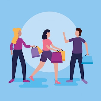 Люди делают покупки с сумками