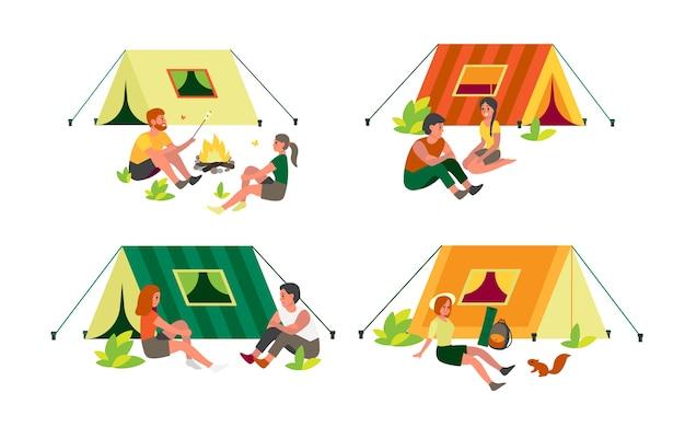 사람들은 텐트 근처와 캠프 파이어에 앉아 있습니다. 자연에 대한 모험, 여름 활동. 야외 휴식. 불에 음식을 요리하는 친구.