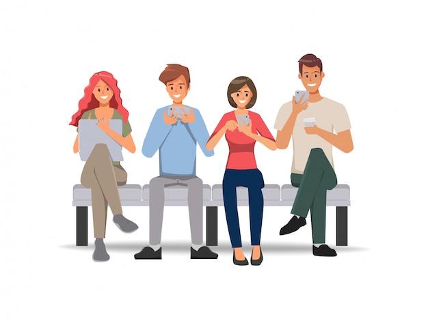 ソーシャルメディアネットワーク通信の背景に携帯電話を使用している人々