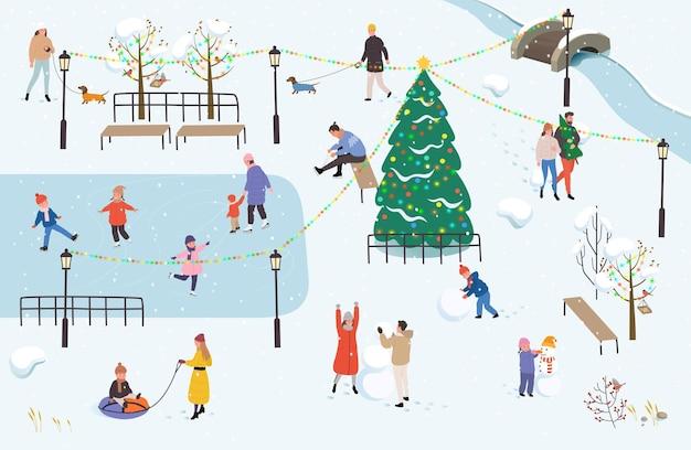 Люди гуляют по парку зимой. зимний отдых на природе.